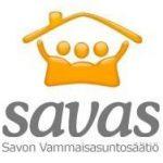 Savon Vammaisasuntosäätiön logo, jossa kolme henkilöhahmoa saman katon alla