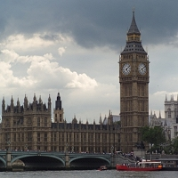 Lontoon parlamenttitalo ja Big Ben -kello
